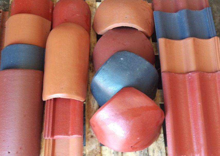 Dakpannen oranje blauw rood | Bloem Gebruikte Bouwmaterialen Panheel