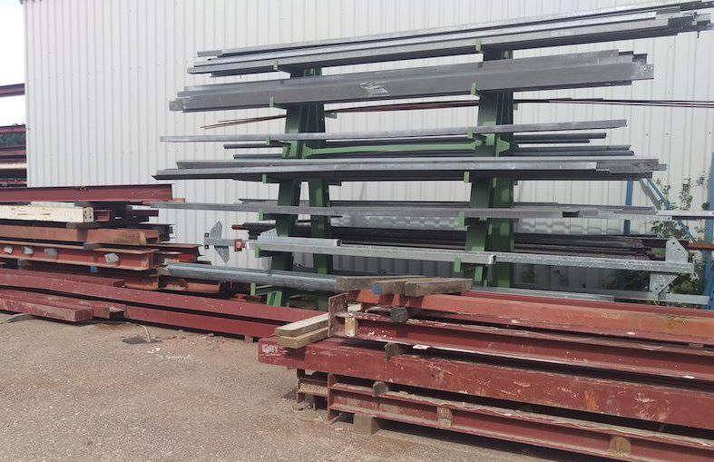 Gebruikte stalen balken | Bloem Gebruikte bouwmaterialen
